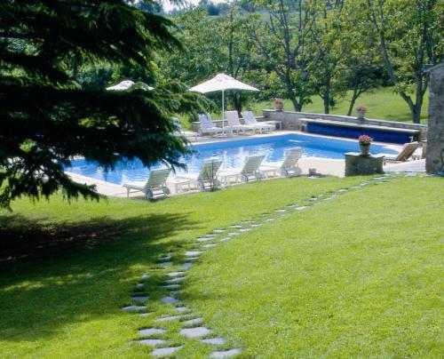 Piscine de l'établissement Château De Noirieux ou située à proximité