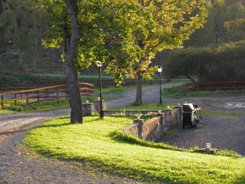 En trädgård utanför Sundsmåla Landsbygdshotell