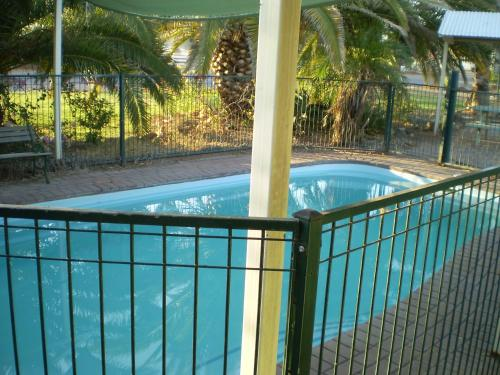A view of the pool at Banjos Overnight And Holiday Units or nearby