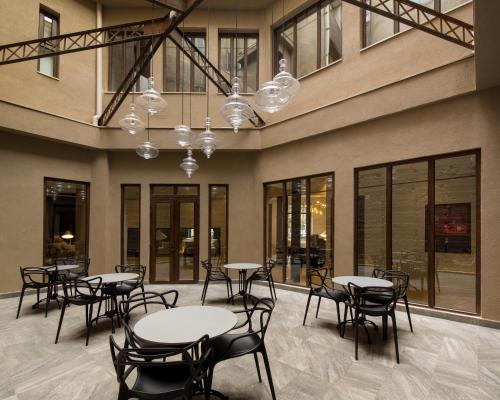 Um restaurante ou outro lugar para comer em Hotel Altiplanico Bellas Artes