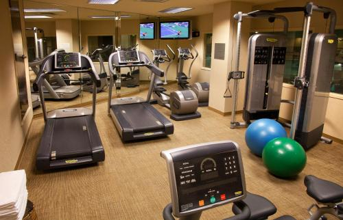 The fitness center and/or fitness facilities at Silver Cloud Hotel - Seattle Broadway