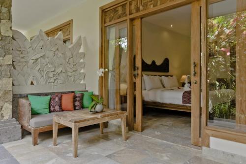 Area soggiorno di Sri Ratih Cottages