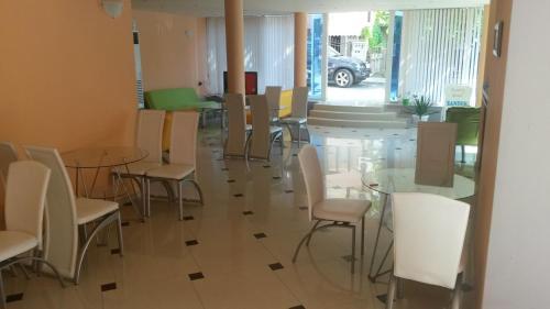 Ресторант или друго място за хранене в Сандор Хотел