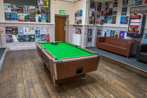 A pool table at Glasgow Youth Hostel