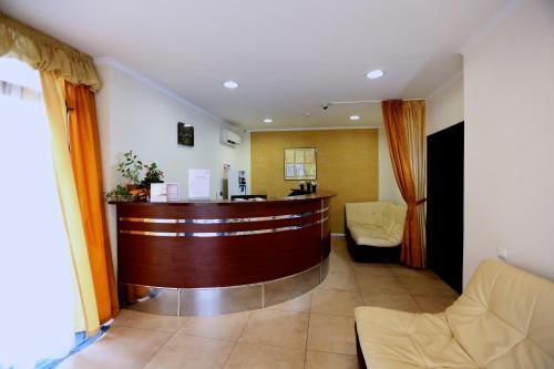 Лобби или стойка регистрации в Hotel Palanga