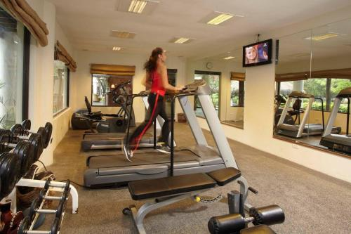 The fitness center and/or fitness facilities at Bluewater Maribago Beach Resort