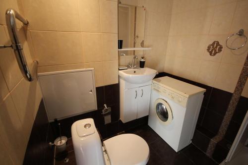 Ванная комната в Apartment Raketniy 3