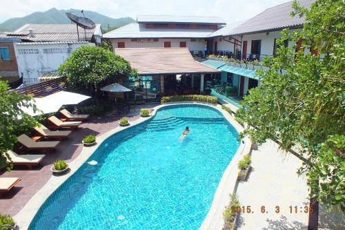 Uitzicht op het zwembad bij Medio De Pai of in de buurt
