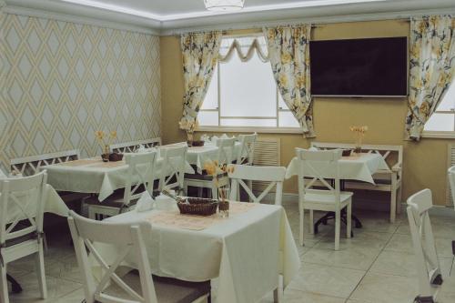 Ресторан / где поесть в Гостиница Вилла роща