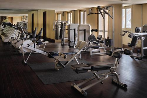 The fitness center and/or fitness facilities at Oaks Ibn Battuta Gate Dubai