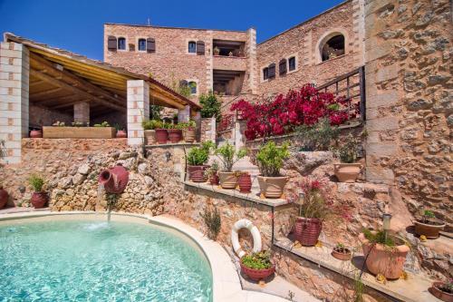 Πισίνα στο ή κοντά στο Σαμωνάς Παραδοσιακές Κατοικίες
