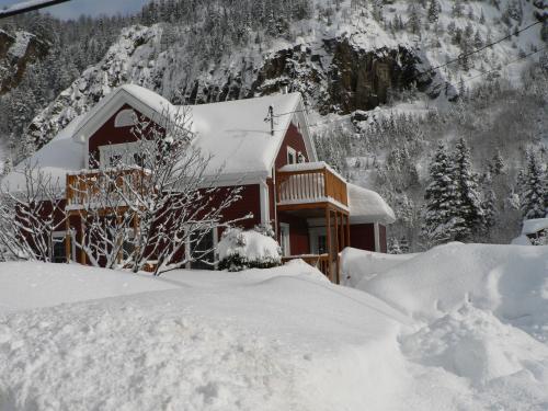 B&B Les Deux Pignons during the winter