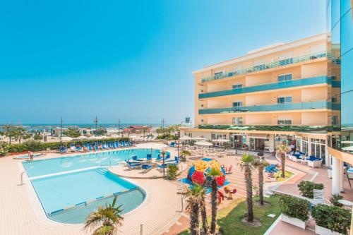 A view of the pool at Hotel Valverde & Residenza or nearby