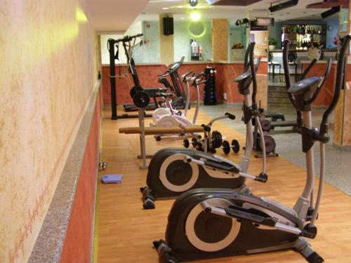 The fitness center and/or fitness facilities at Le Nereidi Hotel Residence