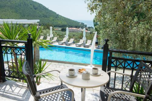 The swimming pool at or close to Hotel Villa Natassa