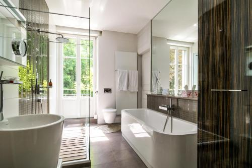 A bathroom at Peonia at Home - Maison d'hôtes d'exception