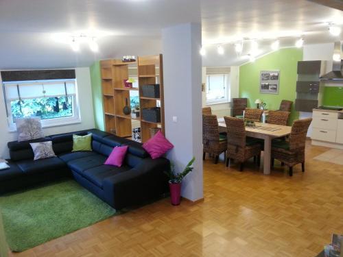 Posedenie v ubytovaní Apartment Alvarium