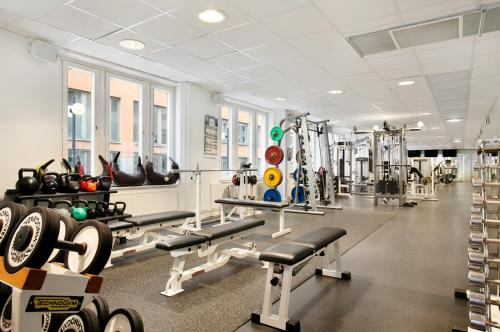The fitness center and/or fitness facilities at Hilton Stockholm Slussen Hotel