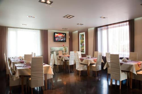 Ресторан / где поесть в Slavyanskaya