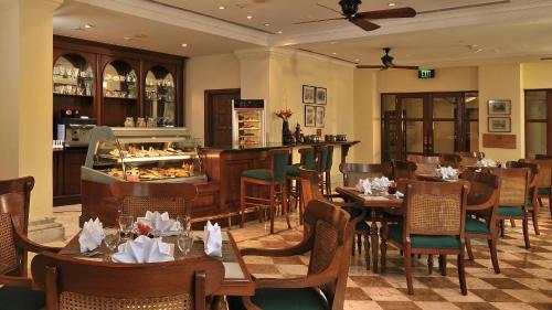 Ресторан / где поесть в Welcomhotel by ITC Hotels, Cathedral Road, Chennai