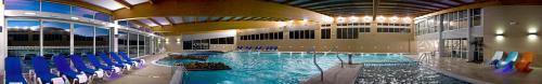 The swimming pool at or near ARNOIA CALDARIA HOTEL Y BALNEARIO