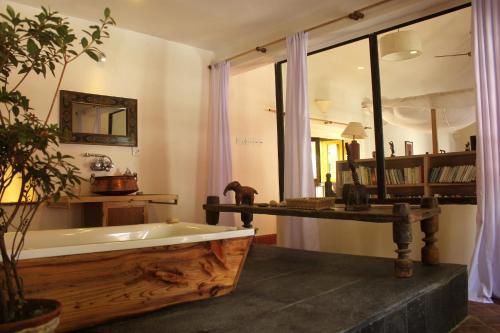 Een badkamer bij 3 Rooms by Pauline