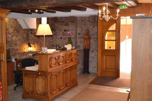The lobby or reception area at Hôtel le Saint Nicolas