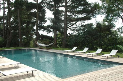 The swimming pool at or near Château de La Ballue - Les Collectionneurs