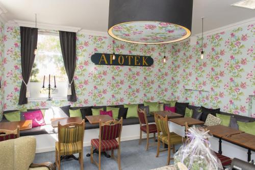 En restaurant eller et andet spisested på Det Gamle Apotek Bed & Breakfast