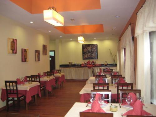 Un restaurante o sitio para comer en Hotel Villa El Mocanal