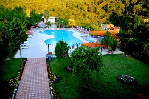 Вид на бассейн в Magic Sun Hotel или окрестностях