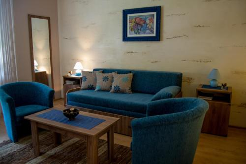 A seating area at Guest House A'storia