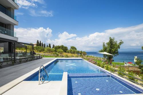 The swimming pool at or close to Hotel Villa Margaret