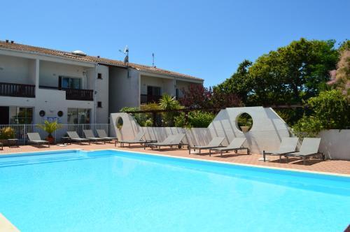 Piscine de l'établissement Hotel L'Oceane ou située à proximité