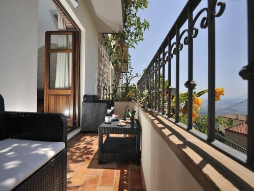 A balcony or terrace at Villa Janas
