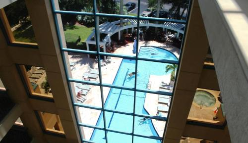 A view of the pool at Hilton Boca Raton Suites or nearby