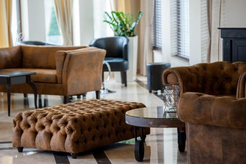 Кът за сядане в Мантар Спа Хотел