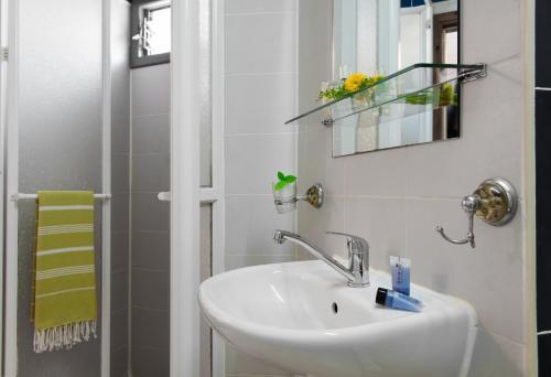 A bathroom at Sun City Hotel