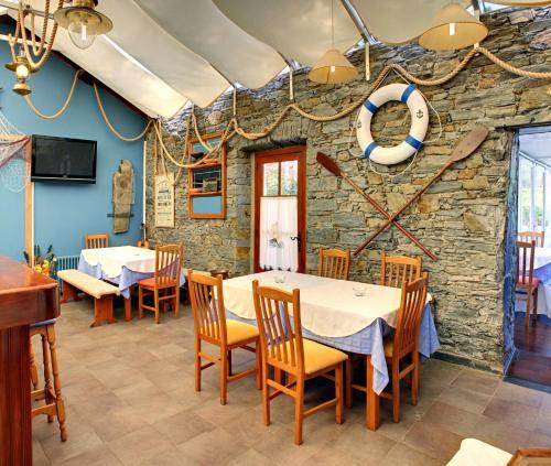 Un restaurante o sitio para comer en Villa La Argentina