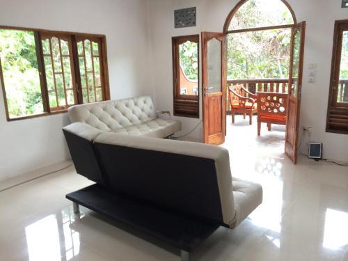 A seating area at Hotel Orangutan