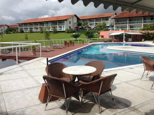 A piscina localizada em Flat 608 Villa Hípica - Gravatá ou nos arredores