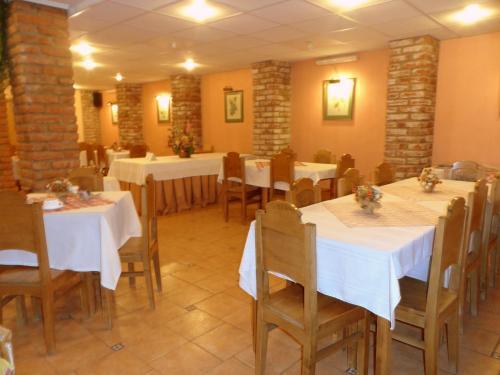 Un restaurante o sitio para comer en Lady Florence Dixie