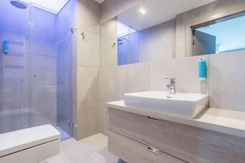 A bathroom at Gwiazda Morza Resort SPA&SPORT