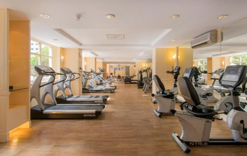 The fitness center and/or fitness facilities at The Sukosol Hotel Bangkok