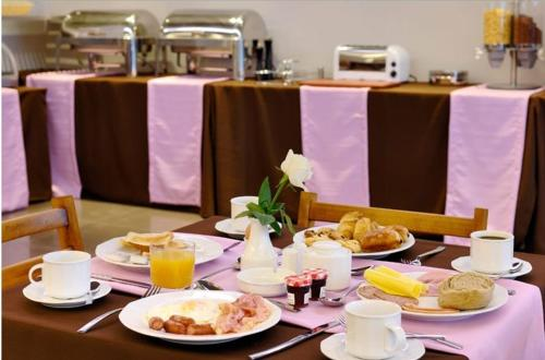 Breakfast options available to guests at Galaxy City Center Hotel
