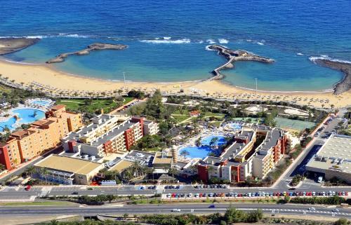 Een luchtfoto van Elba Carlota Beach & Convention Resort