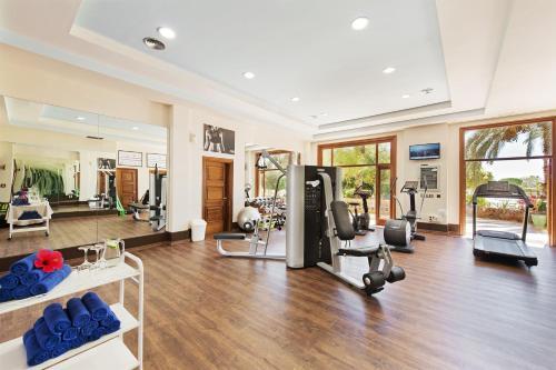 Centrum fitness w obiekcie Elba Palace Golf & Vital Hotel - Adults Only