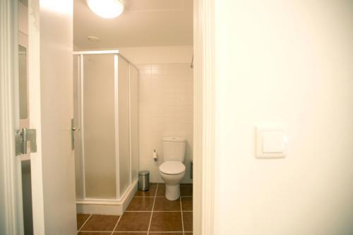 Um banheiro em HI Évora – Pousada de Juventude