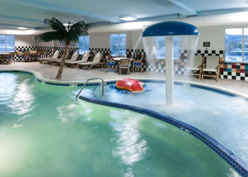 The swimming pool at or near Hampton Inn & Suites Boise-Downtown