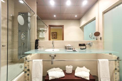 Un baño de Barceló Monasterio de Boltaña Spa